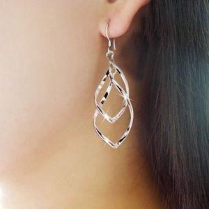 Jewelry - Silver Elegant Twirling Leaves Earrings